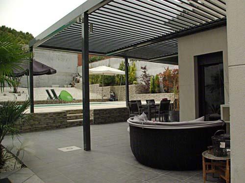 Pergola de aluminio con lamas orientables pergolas de - Toldos para patios precios ...